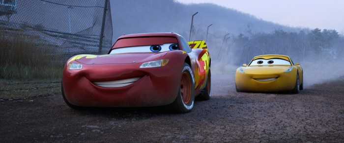cars3-ghosttrack-lightning-cruz1
